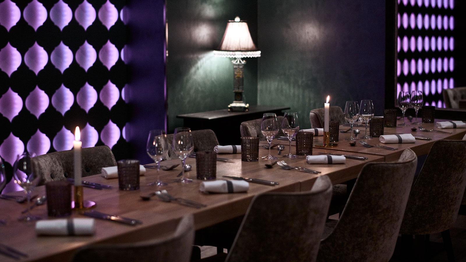 Restaurant table's setting.