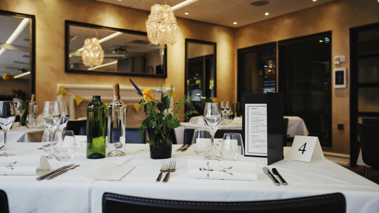 Restaurant's table setting.
