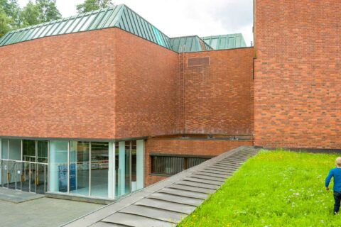 The main building of the Jyväskykä University in Seminaarinmäki.