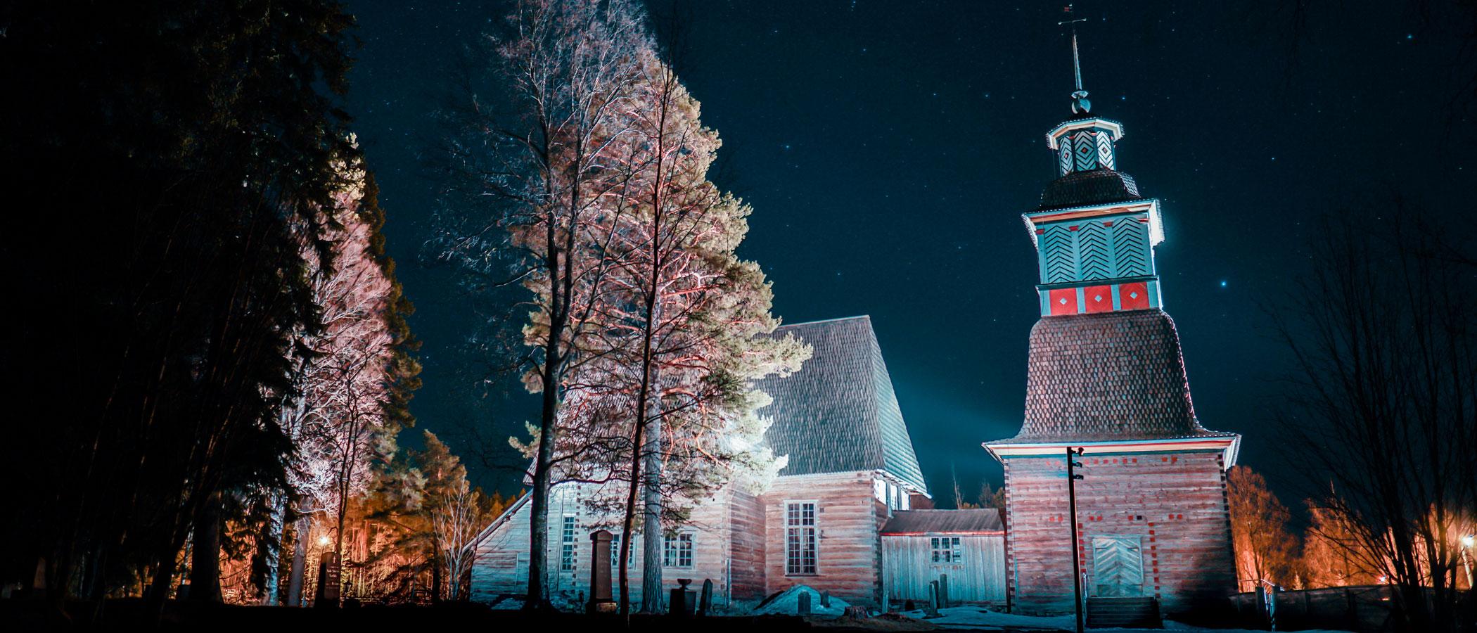 Petäjävesi Old Church at dusk
