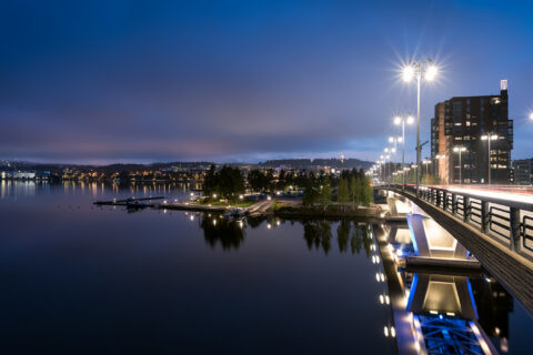 The Kuokkala bridge, the Jyväsjärvi Lake and the Lutakko harbour in Jyväskylä in evening lighting