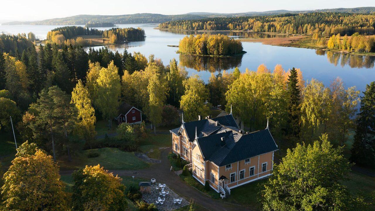 Järvilinna-niminen rakennus Laukaassa