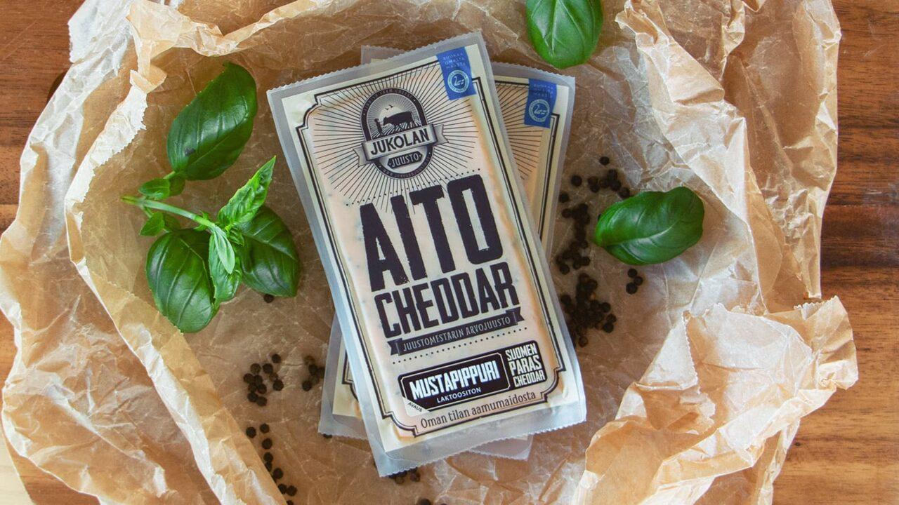 Jukolan Juusto's Real Cheddar -cheese package