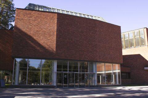 University of Jyväskylä's main building from the outside