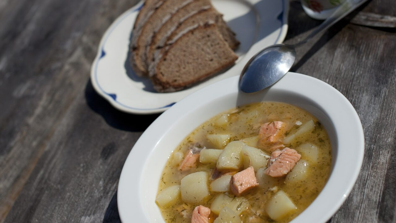 Fish soup with rye bred on side